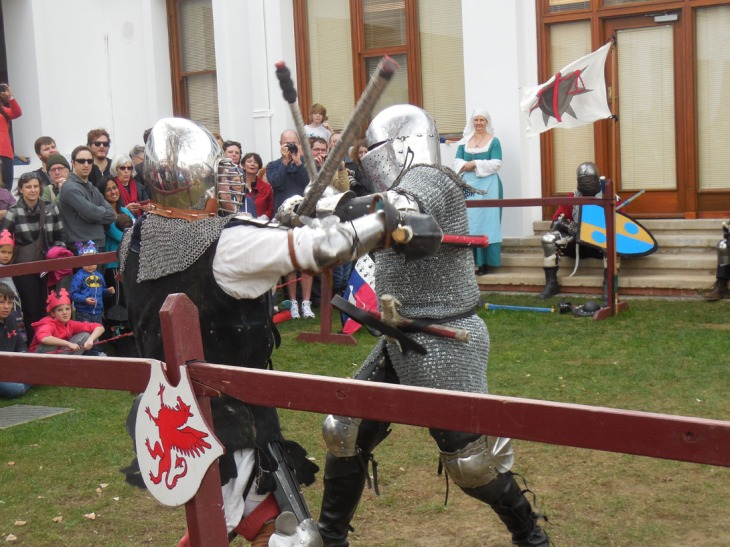Heavy combat re-enactment in the courtyard at Old Parliament House, 8 June 2015